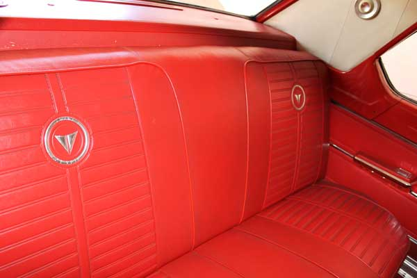64 valiant signet 200 victor rear seat